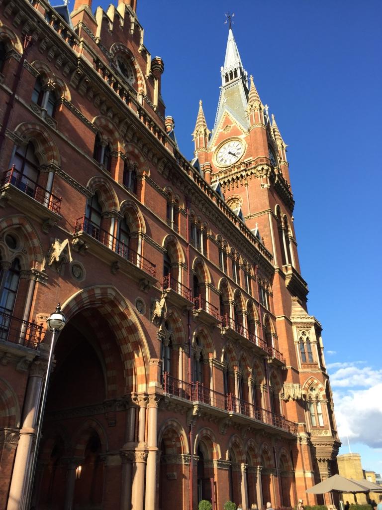 Lindsey Grossman - St. Pancras London UK